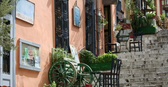 Old-Time-Stairs-Plaka-Athen